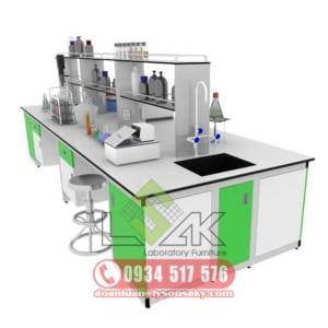 Bàn thí nghiệm trung tâm có bồn rửa kệ hóa chất 2 tầng laboratory central bench with sink laboratory furniture